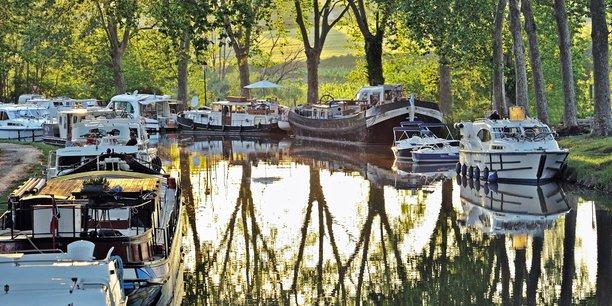 Le Canal du Midi, spot majeur du tourisme en Occitanie.