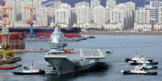 Le premier porte-avions chinois. Depuis Pékin en a lancé un deuxième, le Shandong.