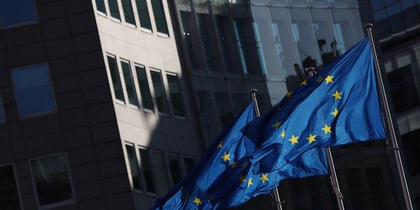 Le communiqué de la CE évoque aussi les importantes incertitudes qui entourent les futures relations commerciales entre l'Union et le Royaume-Uni après le Brexit, au-delà de la période de transition qui doit s'achever à la fin de cette année