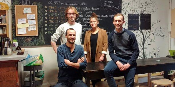 L'équipe de Finacoop Nouvelle-Aquitaine autour de Mathieu Castaings, le fondateur et PDG de Finacoop, et Fabien Labeyrie, qui pilote l'équipe bordelaise, tous deux au premier rang.
