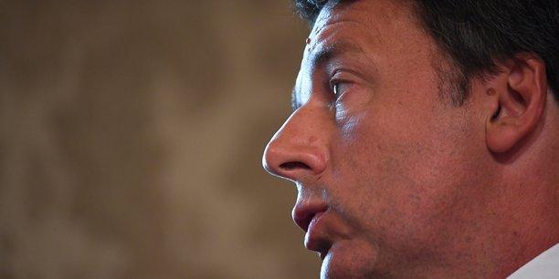 Renzi reclame la formation d'un nouveau gouvernement[reuters.com]