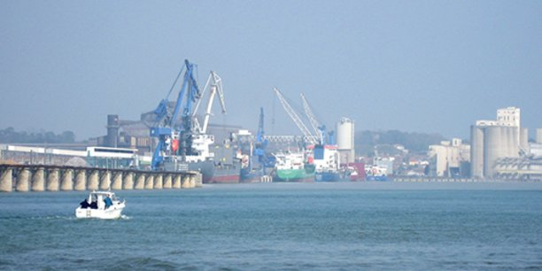 Le port de Bayonne s'étend sur plusieurs communes.