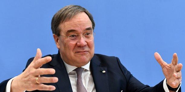 Allemagne: le dirigeant de la rhenanie brigue la tete de la cdu[reuters.com]
