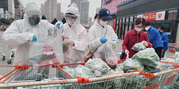 Coronavirus: le bilan depasse les 2.700 deces en chine continentale[reuters.com]