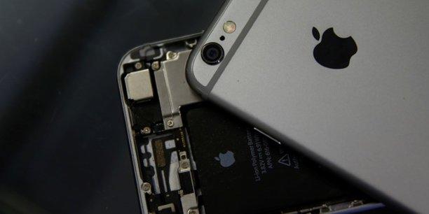 Apple a annoncé mi-février ne pas pouvoir atteindre ses prévisions de chiffre d'affaires pour le trimestre en cours en raison d'un ralentissement de la production, couplé à une baisse de la demande en Chine.