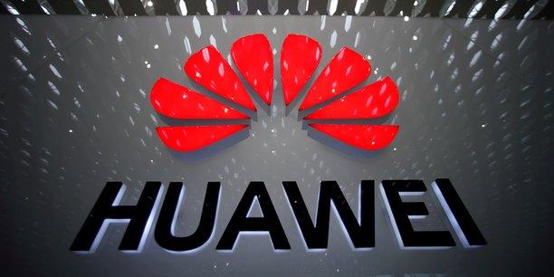 Premier équipementier télécoms du monde, Huawei a été mis en cause, sur fond de guerre commerciale entre les Etats-Unis et la Chine, par le gouvernement Trump qui met en avant un risque d'espionnage pour le compte du gouvernement chinois.
