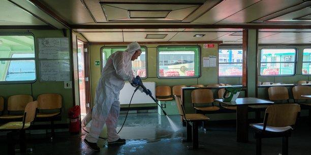 Coronavirus: une pandemie de plus en plus plausible[reuters.com]