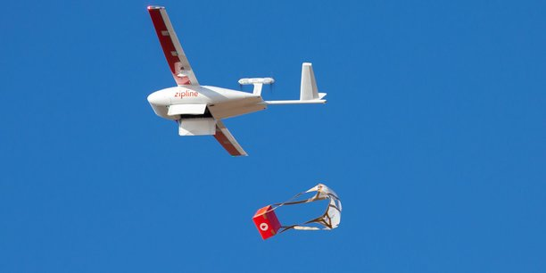 La société américaine Zipline distribue du sang au Rwanda à l'aide de drones.