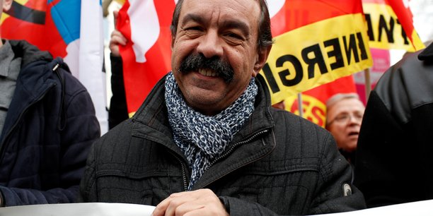Retraites: la cgt appelle a une grande journee de greve mardi[reuters.com]