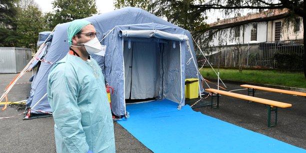 Le nombre de cas de nouveau coronavirus dans le monde s'élevait mardi à plus de 92.000, dont plus de 3.155 décès, dans 78 pays.