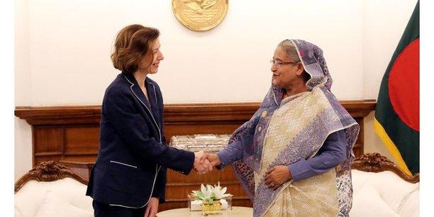 Florence Parly a marqué son souhait de renforcer la relation de défense entre la France et le Bangladesh dans tous les domaines et a formulé des propositions à cet effet (Rafale).