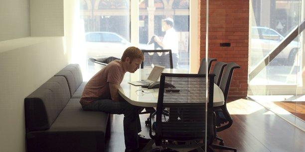 Le premier défi est que le télétravail ne doit pas rimer avec le sentiment d'être plus sollicité que jamais pour les salariés.