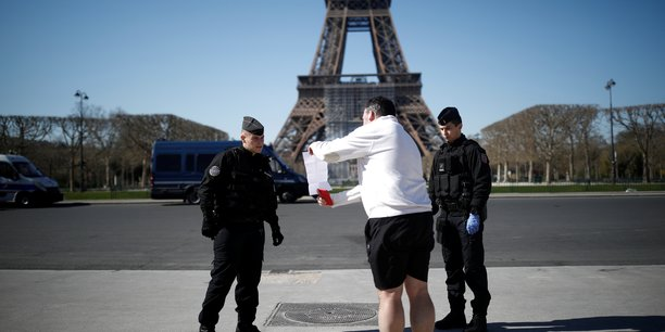 France: vingt-cinq ordonnances coronavirus en conseil des ministres[reuters.com]