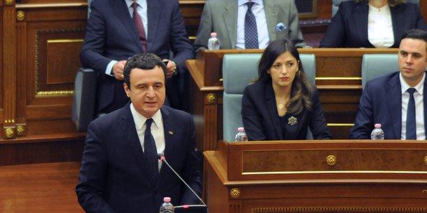 Kosovo: le gouvernement renverse par une motion de censure[reuters.com]