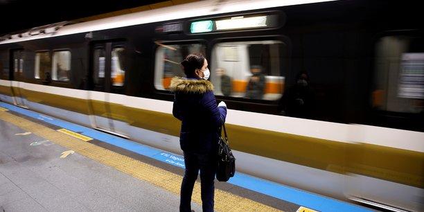 Coronavirus: la turquie arrete ses trains intercites et reduit les vols interieurs[reuters.com]