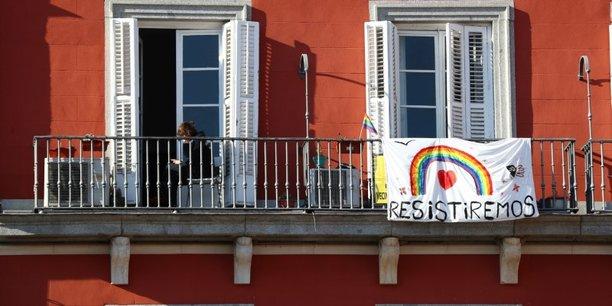 Entre samedi et dimanche, l'Espagne a enregistré 838 morts, nouveau chiffre record.