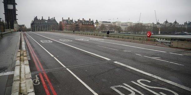 Coronavirus: le bilan au royaume-uni s'alourdit a 1.228 morts[reuters.com]