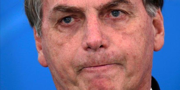 Coronavirus: bolsonaro visite un marche et refuse tout confinement au bresil[reuters.com]