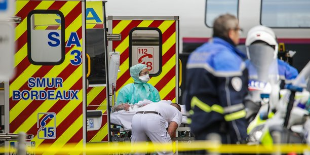 Arrivée à Bordeaux ce dimanche 29 mars 2020 de malades transférés du Grand-Est