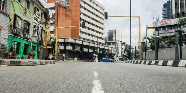 Lagos mise a l'arret par le coronavirus[reuters.com]