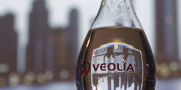 Veolia reduit son dividende et suspend ses objectifs[reuters.com]