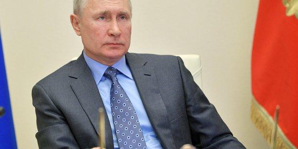 Poutine plaide pour un compromis sur les prix du petrole[reuters.com]