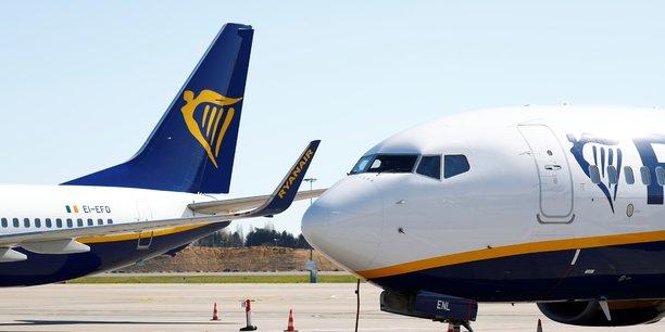Ryanair rate son objectif et prevoit une charge de 300 millions d'euros[reuters.com]