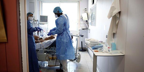 Coronavirus: le nombre de deces diminue en france, les cas graves ralentissent[reuters.com]