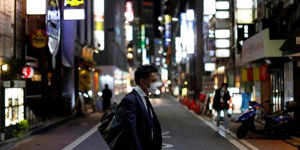 Coronavirus: le japon envisage six mois d'etat d'urgence[reuters.com]