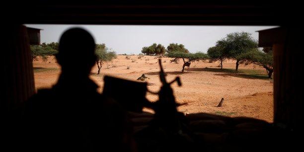 Vingt-cinq soldats tues dans le nord du mali[reuters.com]
