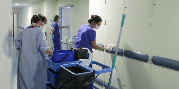 Les postes d'aide-soignant, d'agent de propreté, d'ouvrier viticole et d'employé dans la grande distribution ou la logistique figurent parmi les emplois proposés en Nouvelle-Aquitaine.