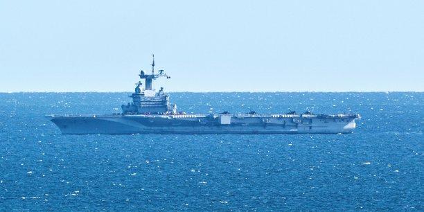 Le porte-avions cdg anticipe son retour, soupcons de cas de covid19[reuters.com]