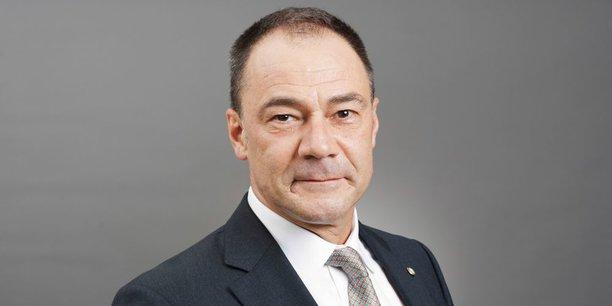 Yves Cuypers, directeur général de la BCDC, est le président de l'Association congolaise des banques (ACB) qui réunit tous les établissements bancaires opérant en République démocratique du Congo (RDC).