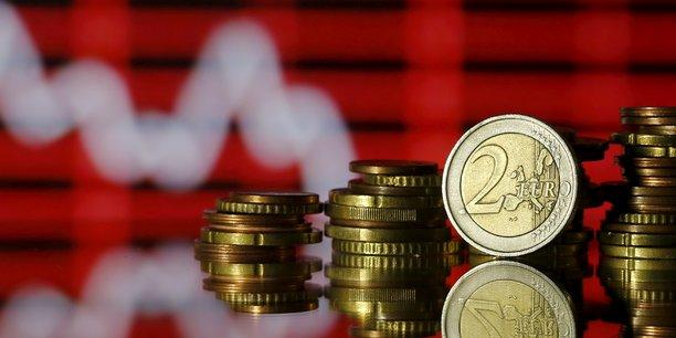 À contre-courant des autres entreprises, l'assemblée générale de Vivendi a approuvé le 20 avril un dividende de 0,60 euro, en hausse de 20% par rapport à l'exercice précédent.