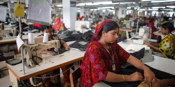 Les ONG appellent les grands groupes de la mode à respecter leurs obligations en matière de droits humains.