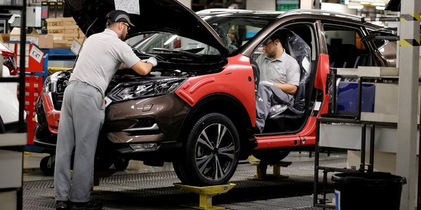 Coronavirus: les constructeurs automobiles europeens redemarrent la production[reuters.com]