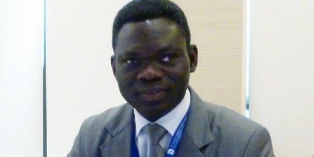 Roger Koudé est professeur de droit international ettitulaire de la chaire Unesco «Mémoire, Cultures et Interculturalité» de l'Ucly (Lyon - France).