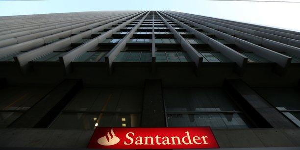 Mardi, l'espagnole Santander, première banque de la zone euro, a publié un bénéfice en chute de 82%. Un plongeon qui s'explique par la provision d'1,6 milliard d'euros en prévision de la crise économique provoquée par la pandémie de nouveau coronavirus.