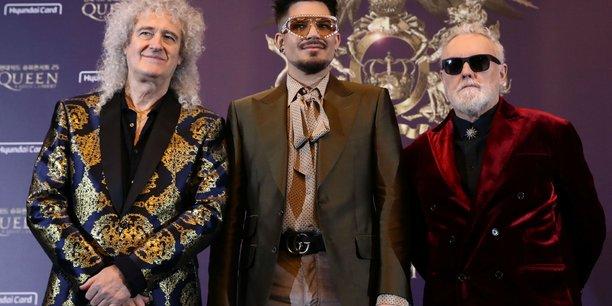 Le groupe queen rend hommage au personnel soignant[reuters.com]