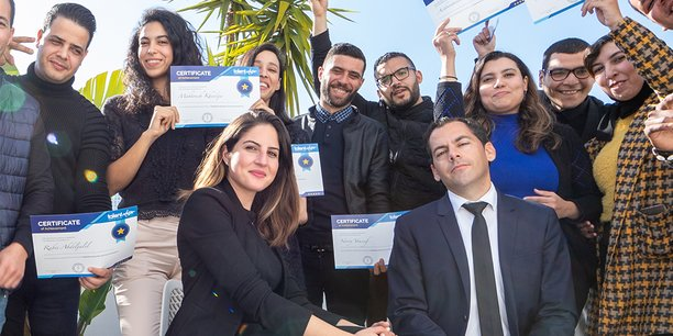 Sophia Mounib, fondatrice de Talent Adivsor, avec les stagiaires lors d'une formation.