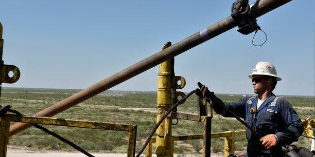 Photo d'illustration. Beaucoup d'ouvriers du pétrole, aussi appelés rough-necks, (brutes en anglais, à cause de leur travail manuel pénible) ont perdu leur emploi ces dernières semaines.