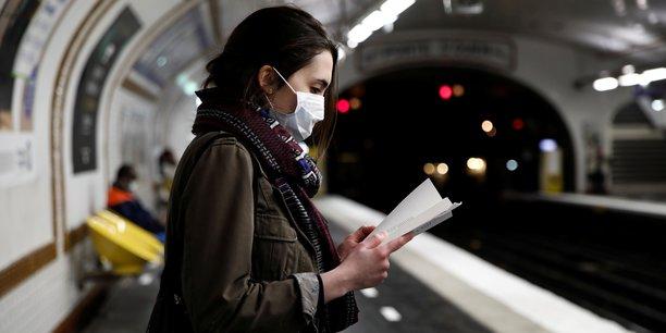 À Paris, la RATP a d'ores et déjà fermé 60 stations de métro, dont certaines correspondances importantes: Barbès-Rochecouart, La Motte Picquet-Grenelle, Opéra, Place de Clichy, République...