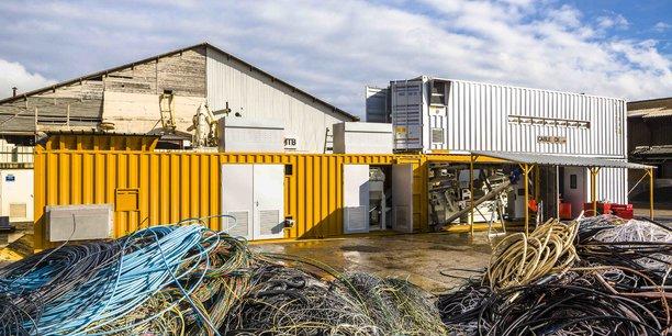 Les solutions plug and play consistent en de petites unités productives modulaires, capables de se greffer rapidement et facilement sur un site industriel, une exploitation agricole, un magasin etc.