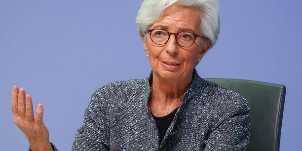 La balance des risques est négative, s'alarme Christine Lagarde.