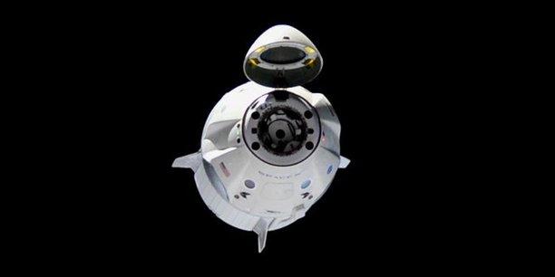 Les deux astronautes Robert Behnken et Douglas Hurley installés dans la capsule Crew Dragon de SpaceX ont rendez-vous demain avec la Station spatiale internationale