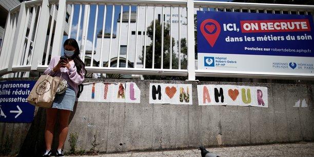 Coronavirus: la france enregistre 73 morts en plus, les hospitalisations baissent encore[reuters.com]