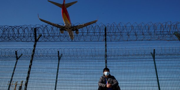Pekin envisage de prolonger les restrictions sur les vols internationaux, selon l'ambassade des etats-unis[reuters.com]