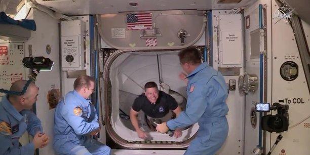 Les deux astronautes de spacex sont arrives dans l'iss[reuters.com]