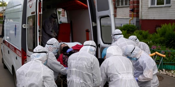La russie confirme 9.035 nouveaux cas de coronavirus[reuters.com]