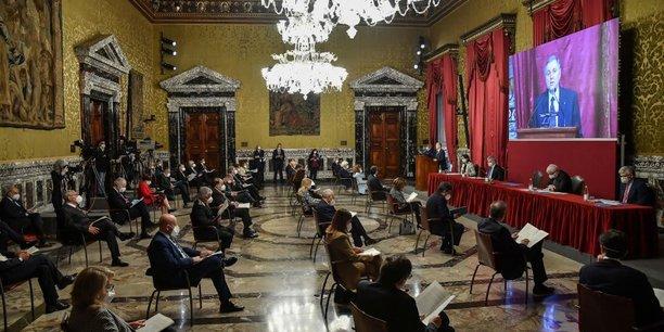 La dette italienne sort d'un mois faste, en attendant la bce[reuters.com]